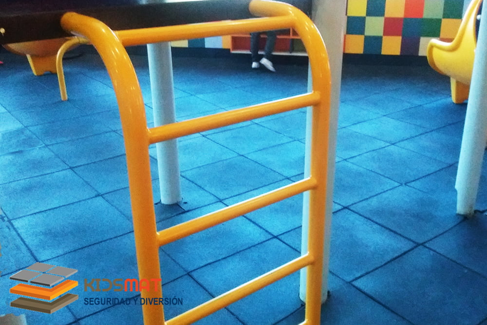 instalacion de pisos de caucho-para-areas infantiles en queretaro